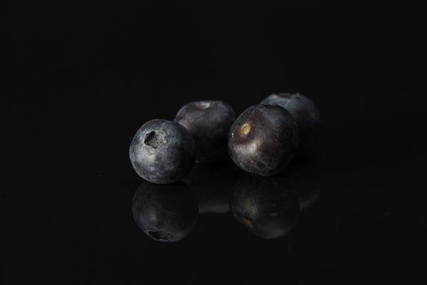 Los arándanos azules, junto con las moras, confieren aromas de violeta a Brockmans
