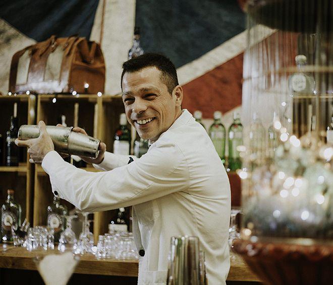 Jorge Oliva, bartender de Varsovia (Gijón)