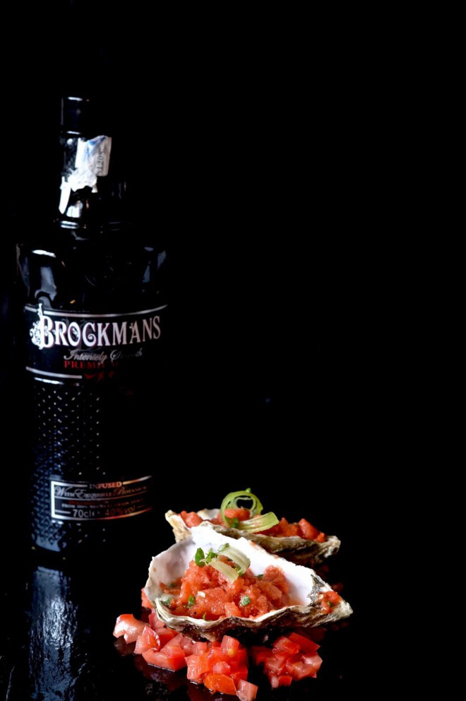 Receta de ostras con Bloody Mary de Brockmans