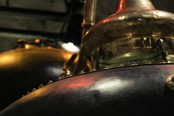 Alambique para destilar ginebra