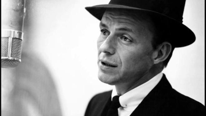 Frase célebre sobre el alcohol de Frank Sinatra