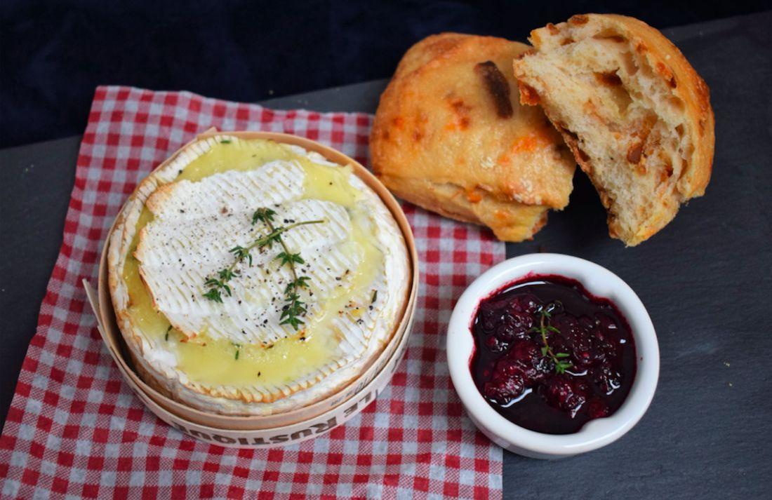 Receta de Camembert asado con Brockmans