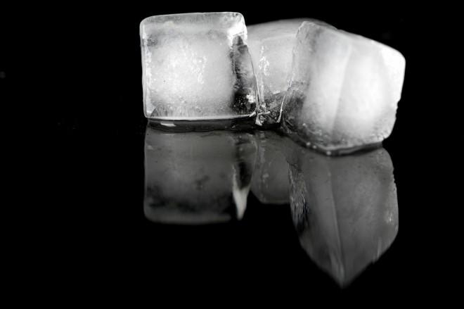 La temperatura del hielo en coctelería