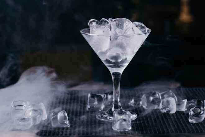 La cantidad, importante en el uso del hielo en coctelería