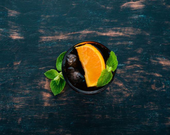 Naranja, uno de los cítricos para coctelería más utilizados