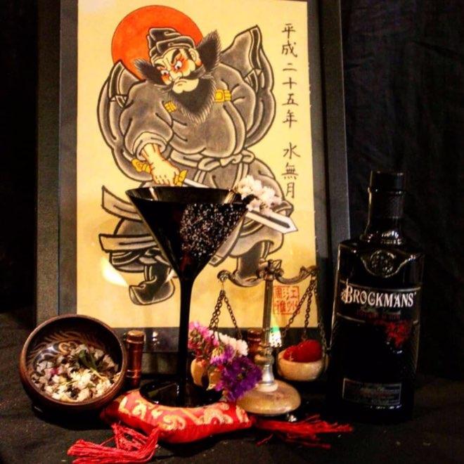 Cóctel con Brockmans Gin de Santamaría La Coctelería de Al Lado