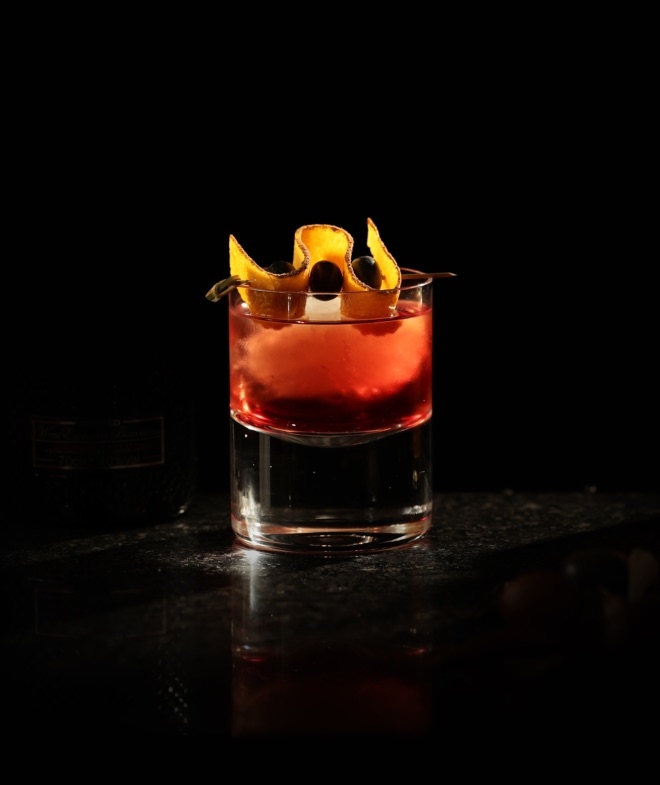 Dark Night Negroni de Brockmans